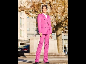 Sonam Kapoor Ahuja A Pink Pantsuit At Iwc Event