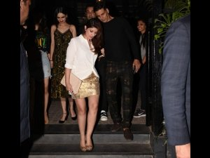 Twinkle Khanna's Attire Is Between Breezy Silhouette And Dazzling Accents
