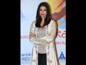 Aishwarya Rai A Floral Jacket At The Lalkaar Concert