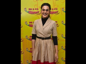 Taapsee Pannu A Smart Dress At The Badla Music Launch Event