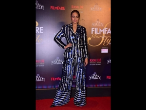 Sonakshi Sinha A Pantsuit At The Filmfare Glamour Style Awards