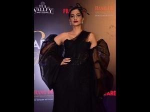 Sonam Kapoor A Ballroom Sari At The Filmfare Glamour Style Awards