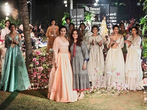 Anita Dongre S Show At Lfw Sr