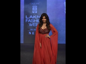 Chitrangda A Red Showstopper Gown At Lfw Sr