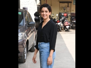 Sanya Malhotra Spotted Black Shirt Blue Denims Mumbai