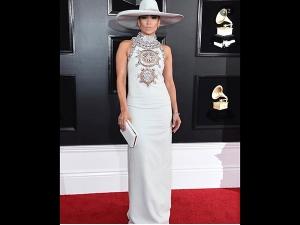 Jennifer Lopez A Classy Avatar At Grammys