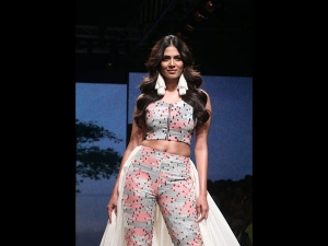 Malavika Mohanan S Showstopper Look At Lakme Fashion Week Summer Resort