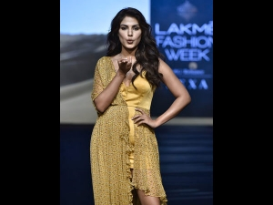 Rhea Chakraborty S Showstopper Yellow Attire At Lfw Sr