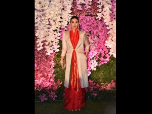 Karisma Kapoor A Raw Mango Sari Akash Ambani Shloka Mehta S Reception