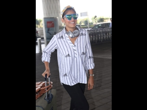 Kubbra Sait Spotted A Cool Airport Outfit