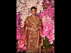 Sonali Bendre Behl A Burgundy Sherwani Akash Ambani S Reception