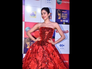 Janhvi Kapoor A Red Gown The Zee Cine Awards