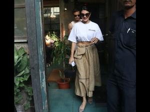 Jacqueline Fernandez Spotted A Skirt Top