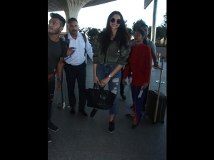 Deepika Padukone Spotted At The Airport A Simple Outfit