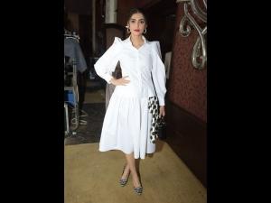 Sonam Kapoor Ahuja In A Retro Avatar For The Ficci Flo Event