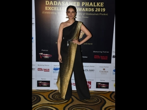 Aditi Rao Hydari In A Black And Gold Attire At Dadasaheb Phalke
