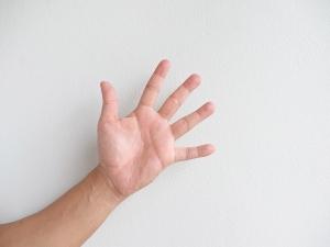Mallet Finger Symptoms Causes Treatment Exercises