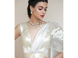 Diana Penty In An Amit Aggarwal Sari At Cannes