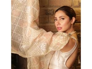 Mahira Khan S Golden Sari Photoshoot For Superstar