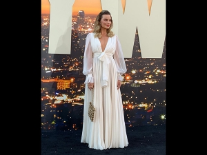 Margot Robbie S White Gown For Once Upon A Time In Hollywood Promotions