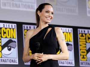 Angelina Jolie In A Black Dress At The San Diego Comic Con