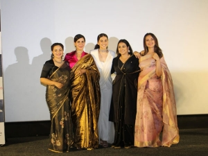 Akshay Taapsee Sonakshi Vidya Kirti Nithya At Mission Mangal Trailer Launch