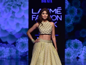 Shilpa Shetty Kundra S Showstopper Look At The Lakme Fashion Week Winter Festive