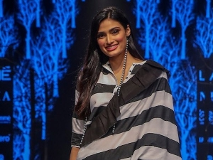 Athiya Shetty S Showstopper Avatar At The Lakme Fashion Week Winter Festive