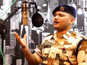 Itbp Soldier Lovely Singh Sings Sandese Aate Hain On 73rd Independence Day