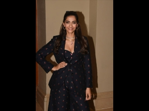 Sonam Kapoor Ahuja In A Quirky Outfit For The Zoya Factor Promotions