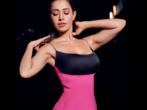 How To Get Nushrat Bharucha S Glossy Make Up And Wet Hair Look