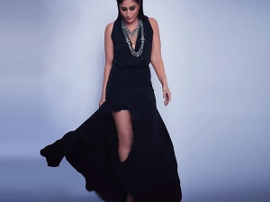 Kareena Kapoor Khan S Smoky Black Dress For Dance India Danc