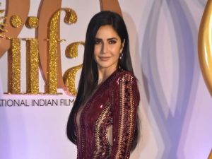 Katrina Kaif In A Shimering Deep Red Gown At Iifa Rocks