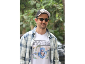 Hrithik Roshan In A Flying Jatt T Shirt To Promote His Upcoming Film War