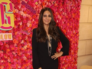 Gauri Khan In A Black Dress At Bollyglow S Anniversary