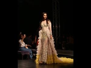 Rakul Preet Singh S Attire For The Lotus Makeup India Fashion Week Ss
