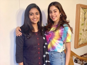 Dhadak Actress Janhvi Kapoor Spotted With Sairat Actress Rinku Rajguru