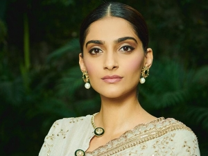 Neerja Actress Sonam Kapoor In A Classic Ivory Golden Sari For Gandhi Event By Pm Modi