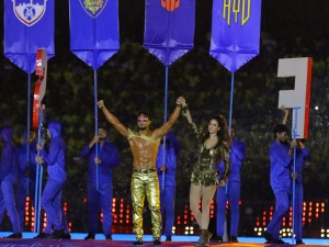 Tiger Shroff And Disha Patani In Golden Outfits For Their Dance Performance At Isl