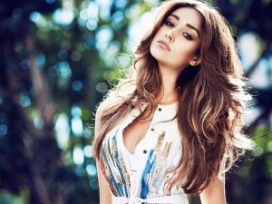 Pagalpanti Actress Ileana D Cruz S Five Stunning Outfits On Her Birthday