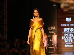 Best Picks From Day One Of The Lotus Makeup India Fashion Week Ss