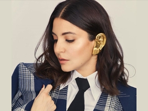 Anushka Sharma Stuns With Her Outfit And Jewellery At Vogue Awards