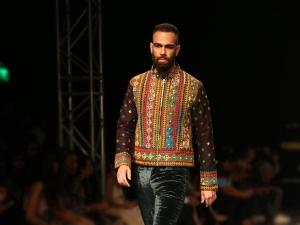 Latest Festive Diwali 2019 Outfit Ideas For Men