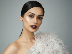 Manushi Chhillar In Bold Lip Make Up At The Elle Beauty Awards