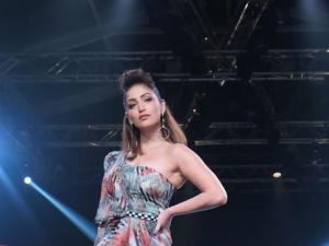 Yami Gautam S Hairstyle At Lotus Make Up India Fashion Week Ss