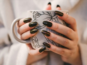 Trending Winter Nail Colors