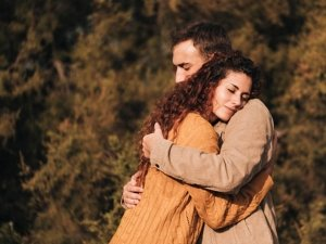International Men's Day 2019: 8 Signs When Women Need To Become An Emotional Support System For Men