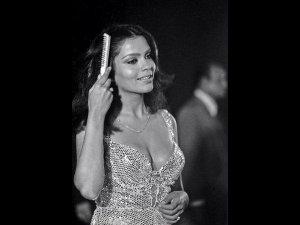 On Zeenat Aman's Birthday, The Actress Whose Fashion Was Beyond The Conformist Narrative