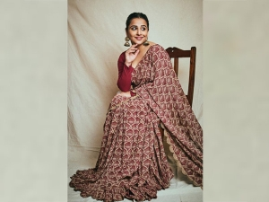 Vidya Balan Impresses In A Sari For Shakuntala Devi Promotions
