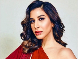 Five Outfits Of Sophie Choudry On Her Birthday